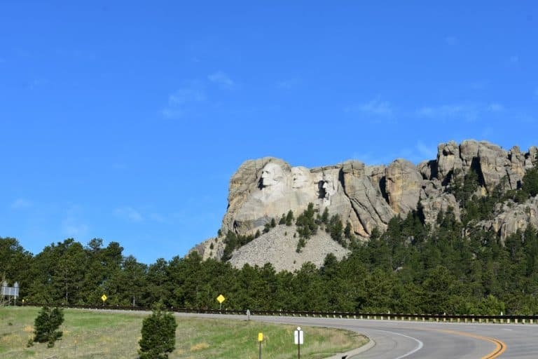 picture of hills in South Dakota
